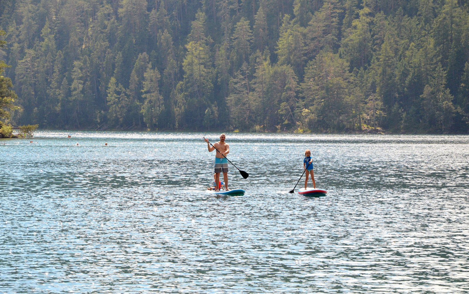 11_alpine_lake_with_sup