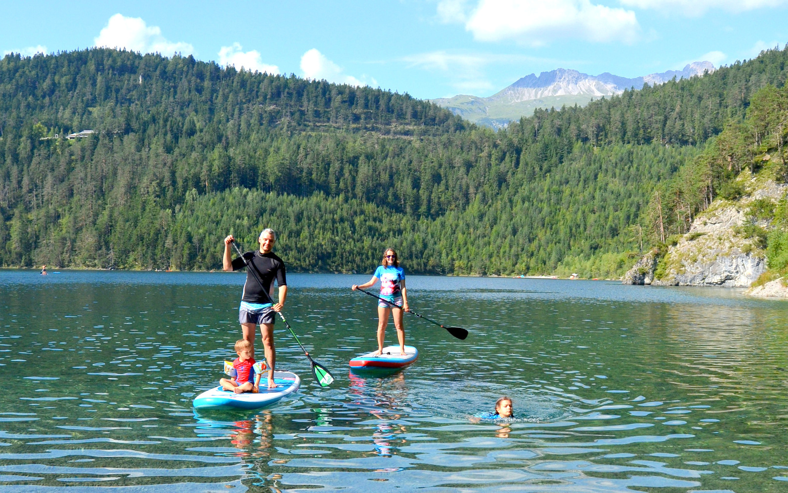 6_alpine_lake_with_sup