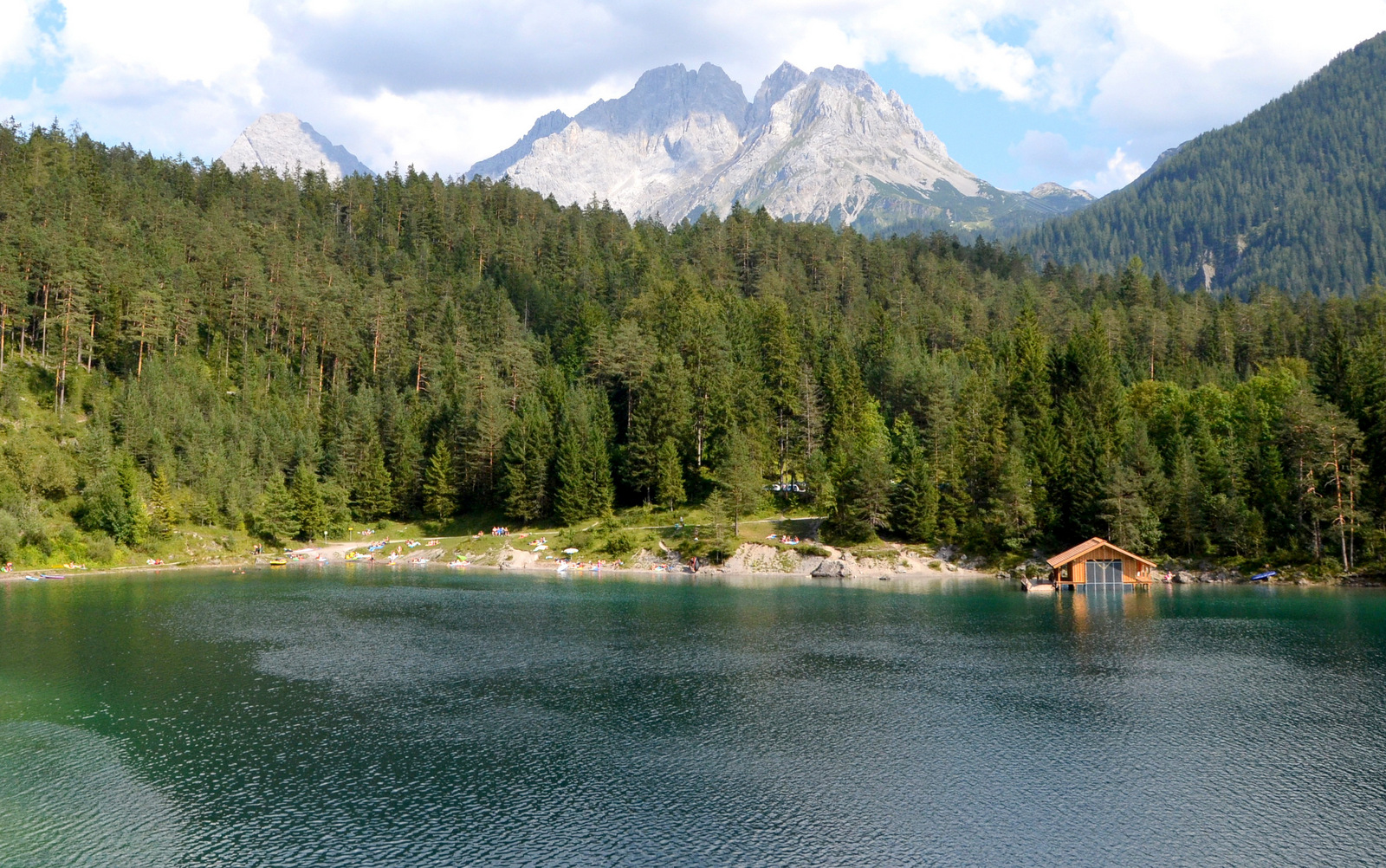 12_alpine_lake_with_sup