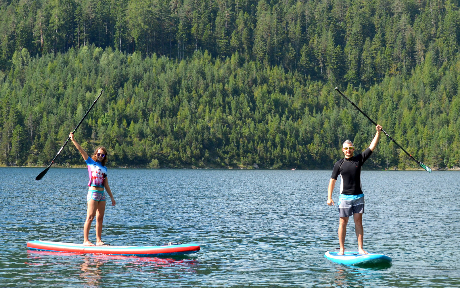 2_alpine_lake_with_sup