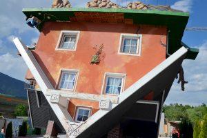 Haus steht Kopf © ALPLUX foto